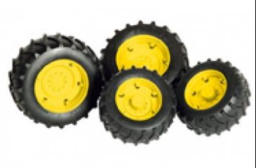 Ruedas dobles con llantas amarillas